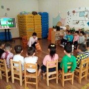 香河县圣恩乐思幼儿园―英语课 (179播放)